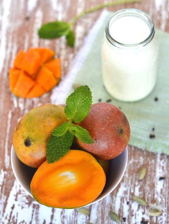 Lassi de mango: bebida de yogur, mango y cardamomo